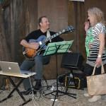 The dinner folk-singer