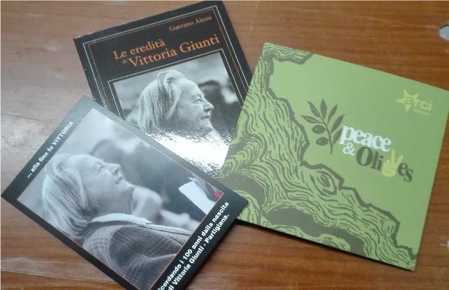foto-libro-cartolina-e-brochure-po